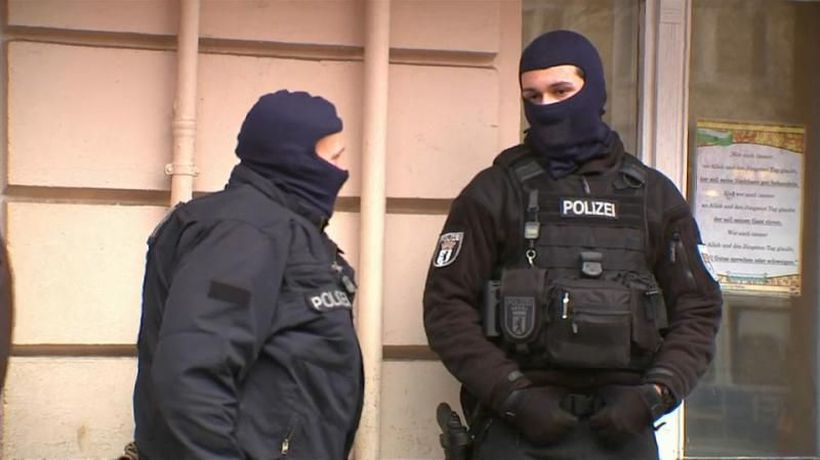 World News - Refugee trio arrested in Germany over terrorist plot
