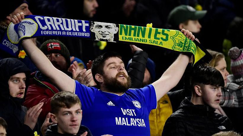 World News - Cardiff City pays tribute to missing player Emiliano Sala