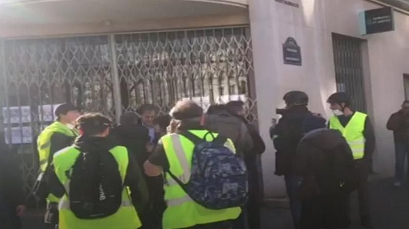 World News - 'Yellow vests': Macron slams abuse of French philosopher Alain Finkielkraut at protests
