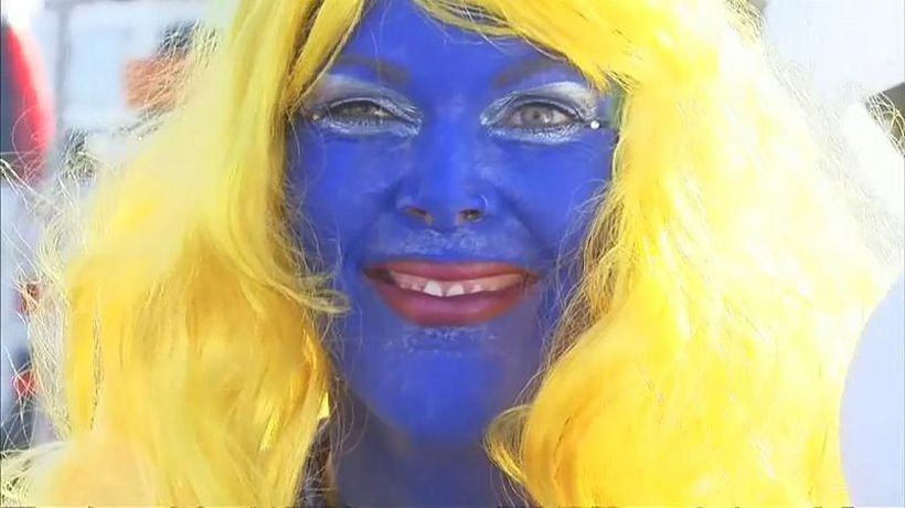 World News - Smurf fans sets new world record