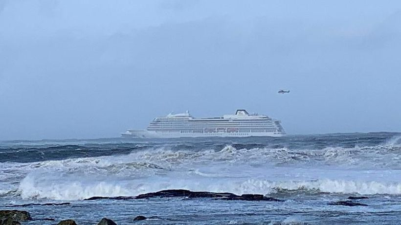 World News - Norway: Emergency services evacuate 1,300 passengers from cruise ship after engine failure