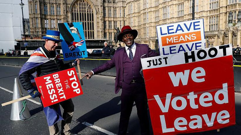 World News - Not what we ordered: poll shows British Leavers and Remainers equally unhappy about Brexit process
