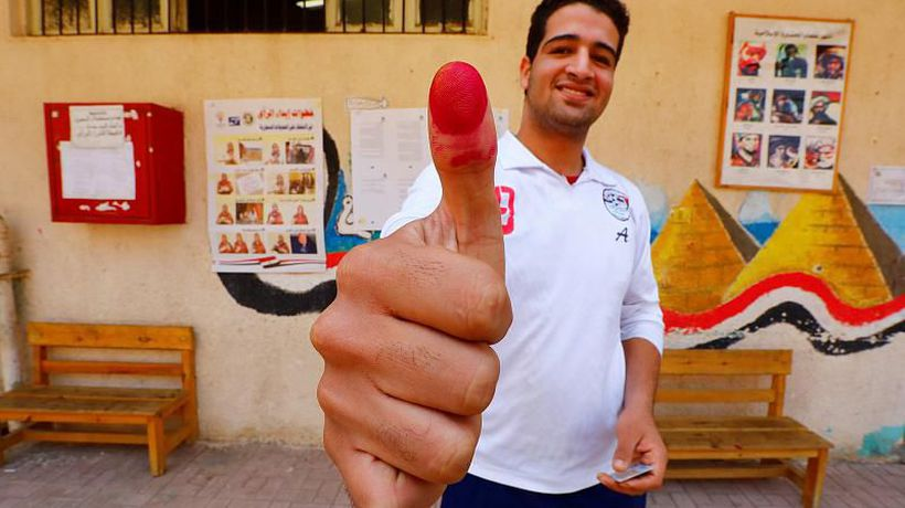World News - Egyptians vote in referendum on extending president's time in power