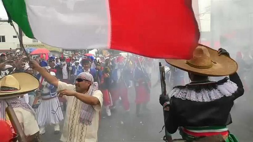 Watch: Mexico City neighbourhood re-enacts victory over French for Cinco de Mayo