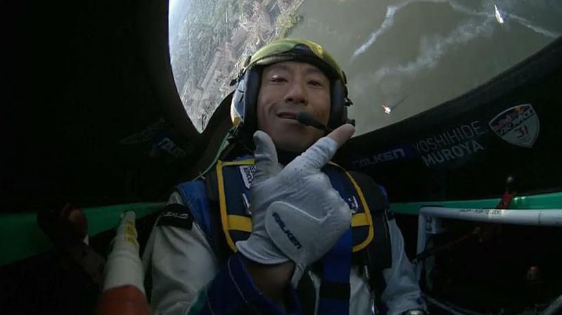Watch: Muroya sets course for air race victory in spectacular fashion