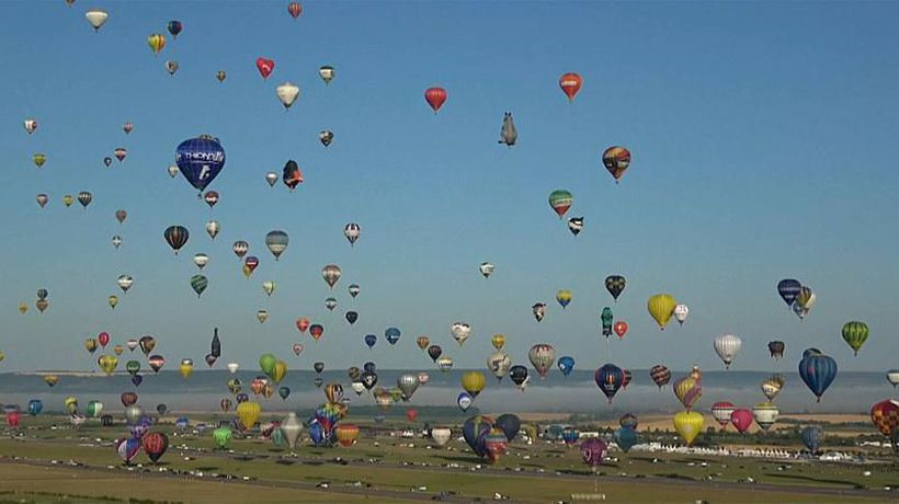 Watch: Balloons fill the skies but fail to pop world record