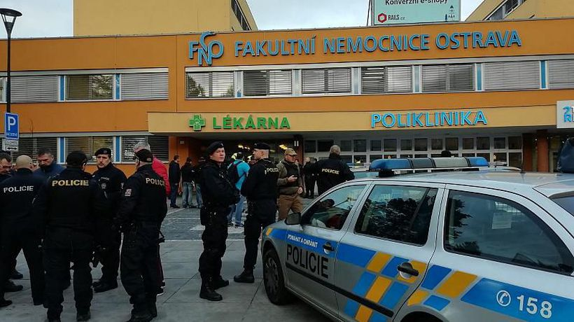 Gunman kills himself after shooting six dead in Czech hospital