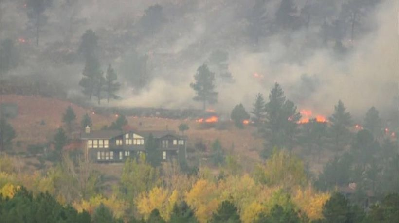 Colorado wildfire forces thousands to evacuate in western US