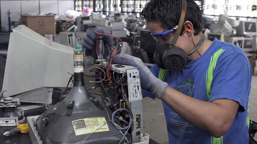 EU campaign to make repairing devices easier faces an uphill battle