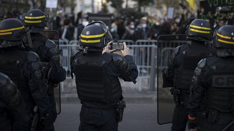 French lawmakers give the green light to controversial global security bill