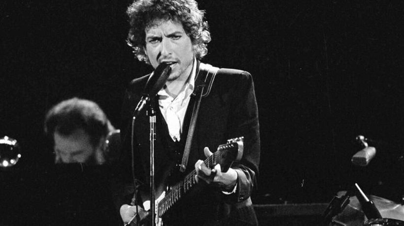 Universal Music Group snaps up Bob Dylan's entire back catalogue