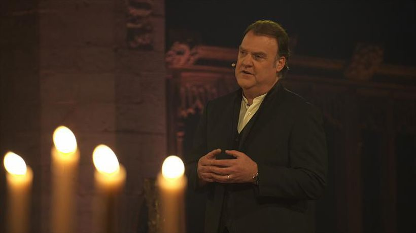 """""""Silence, serenity and peace"""": Sir Bryn Terfel's Christmas message"""