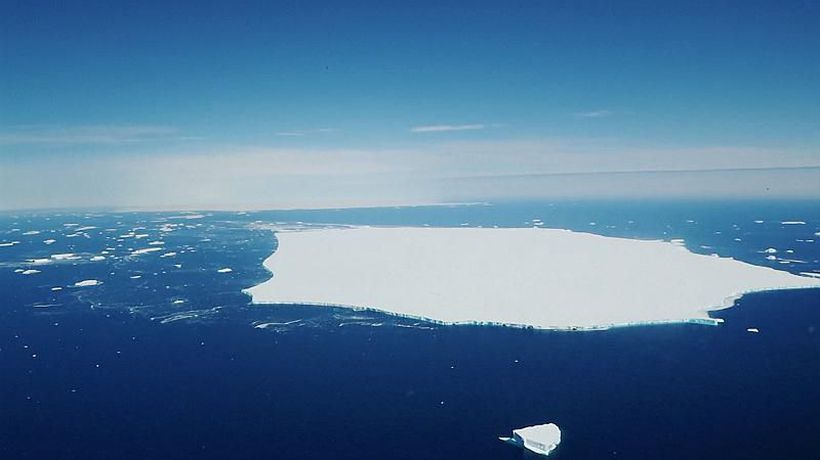 Huge iceberg in South Atlantic begins to break up