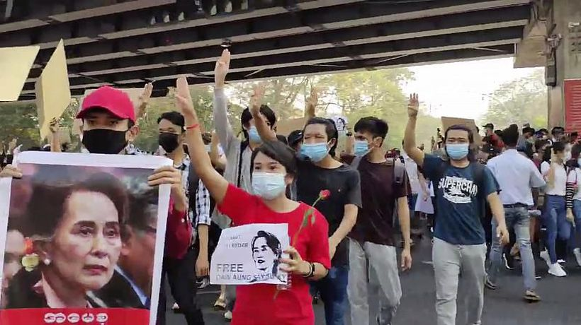 Myanmar coup: Tensions rise between protesters and police