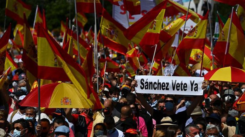Thousands protest in Madrid at plans to pardon Catalan separatists