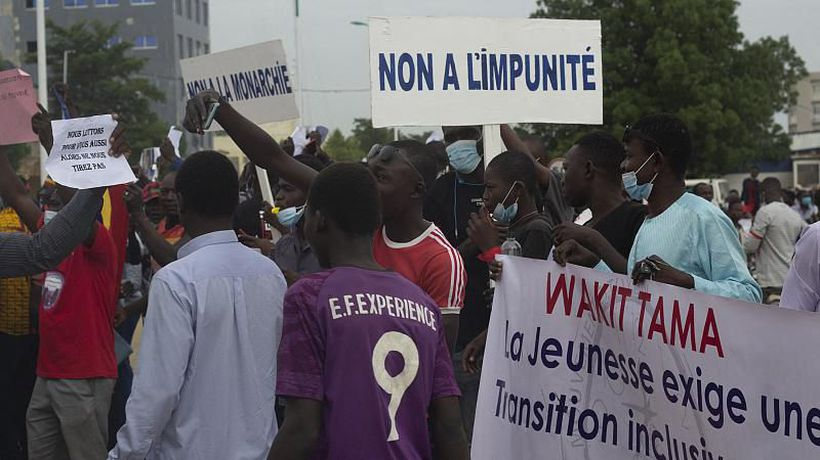 Chad: Hundreds protest against the military junta