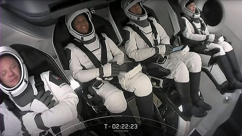 SpaceX launches 4 amateur astronauts in giant leap for space tourism