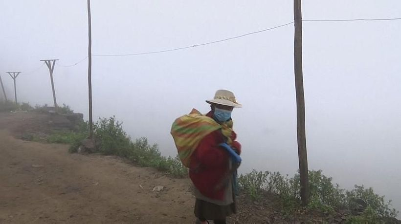 Fog catchers provide water to deserted hills of Lima