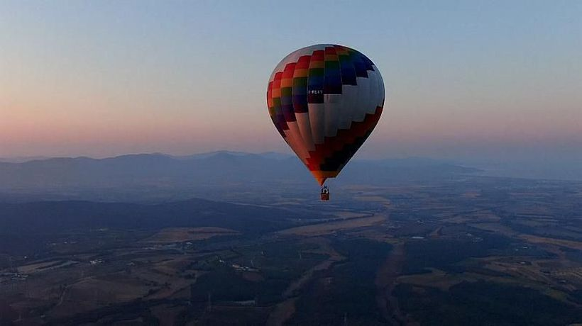See Tuscany like never before: Hot air balloons are flying tourists to new heights