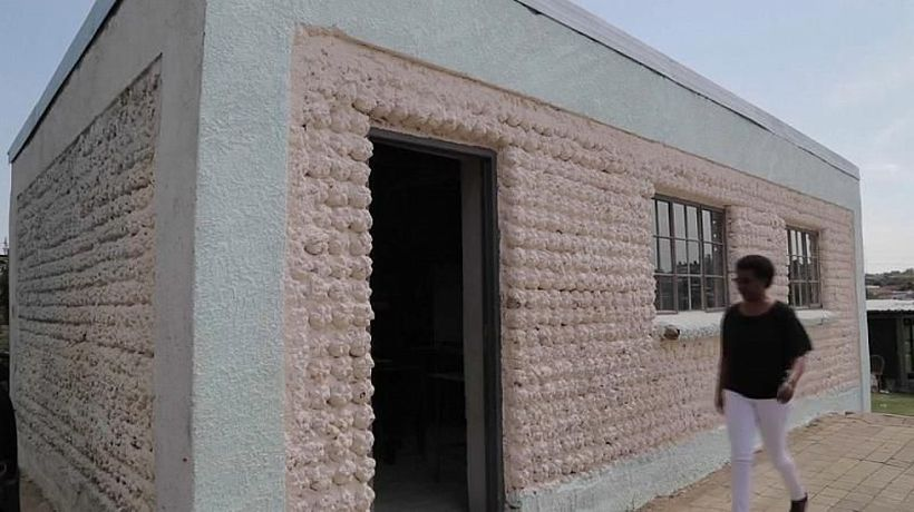 South Africa: Turning litter to classroom bricks in Diepsloot township