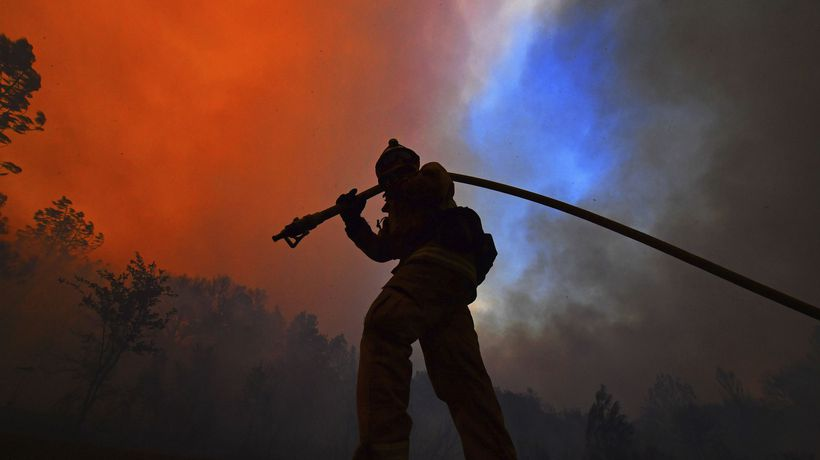 'We had minutes': California Glass wildfire rips through wine country