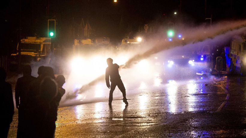 Belfast police use water cannon on Northern Ireland rioters