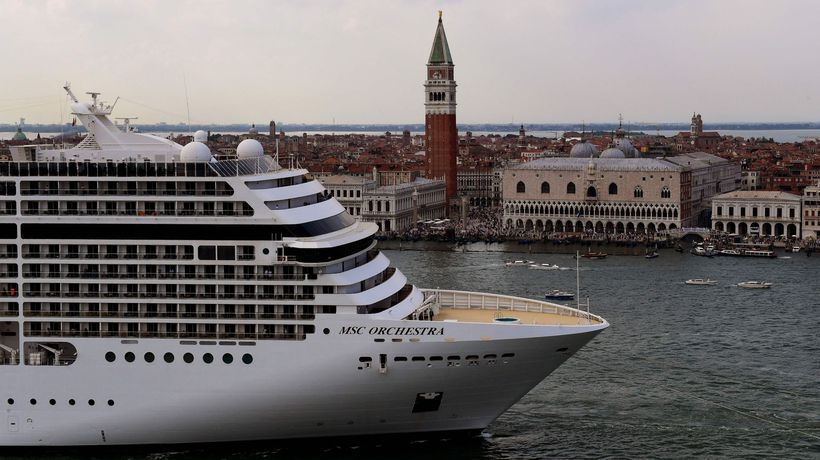 Hundreds protest against return of giant cruise ships to Venice