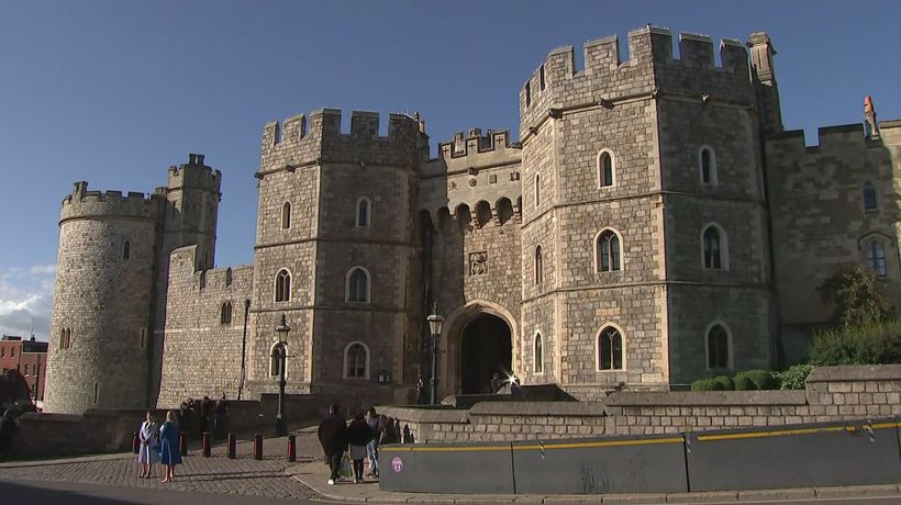 Queen on doctors' orders to rest at Windsor
