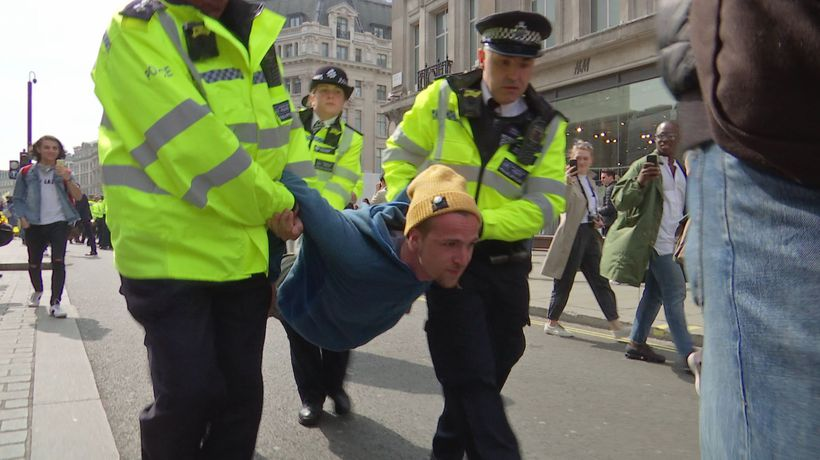 Police arrest climate protesters in Oxford Circus