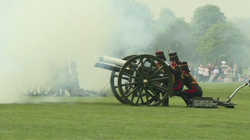 Gun salute at Hyde Park marks Queen's birthday