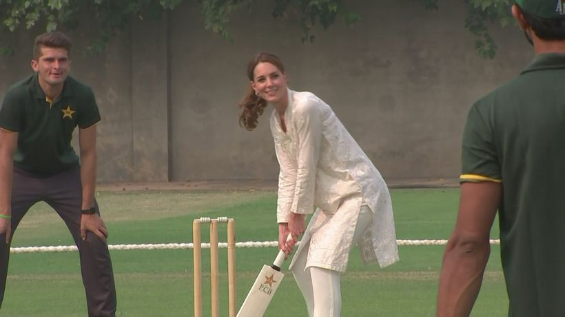 Duke and Duchess of Cambridge show off their cricket skills
