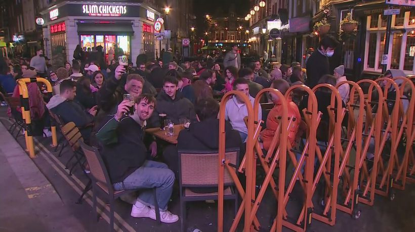 Outdoor dining and drinking returns in England