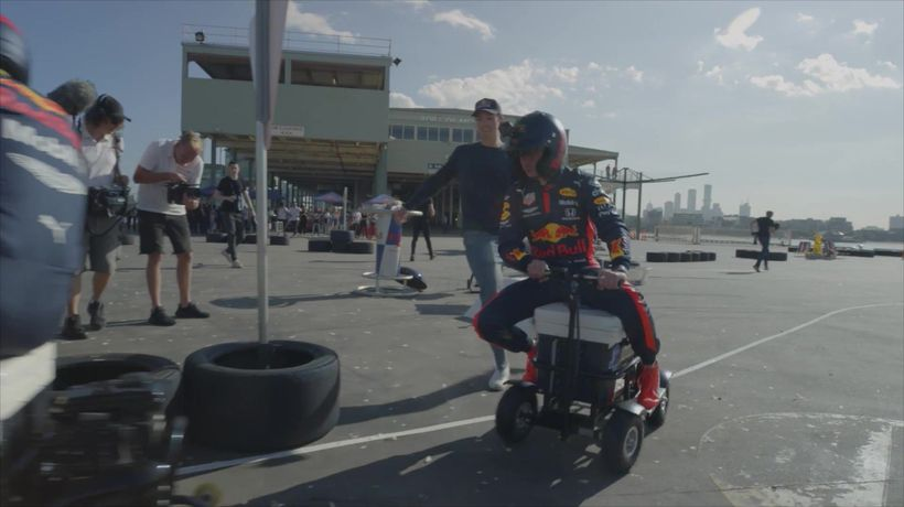 Albon and Verstappen swap F1 for kart race
