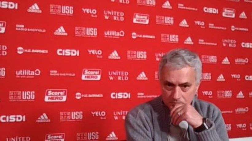 Mourinho takes swipe at big spenders