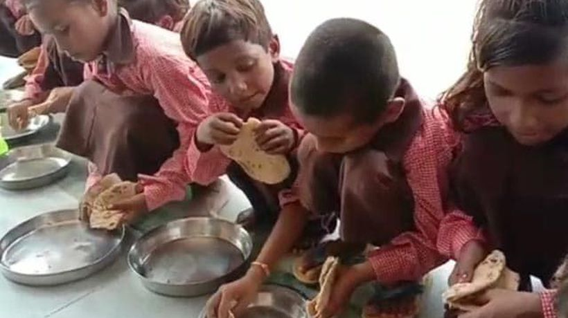 Under Flagship Nutrition Scheme, UP Schoolchildren Seen Eating Roti-Salt