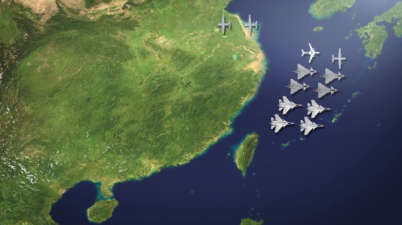 Chinese warplanes practice cutting Taiwan off from US help