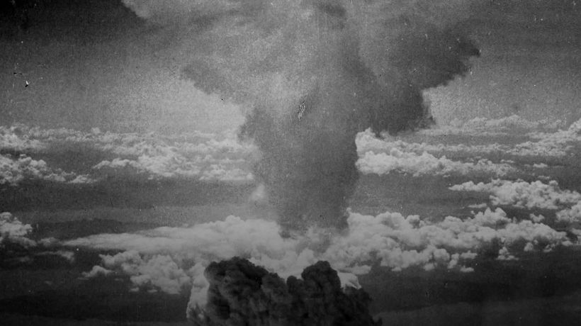 What happened at Hiroshima and Nagasaki in 1945?