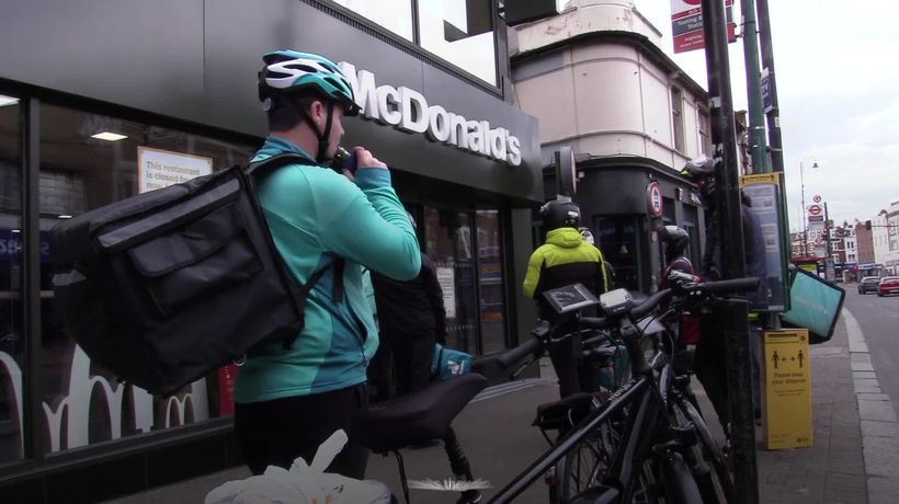 What are gig economy workers?