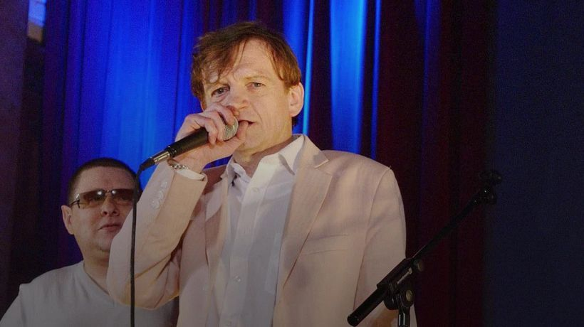 Mark E Smith of The Fall dies at the age of 60