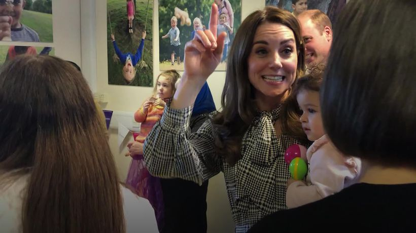 Kate dances with baby and sings banana song