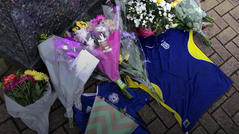Tributes paid to former footballer Peter Whittingham