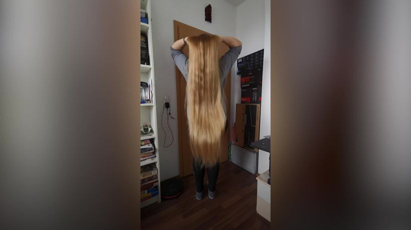 Meet the German woman with hair 5ft 10in long