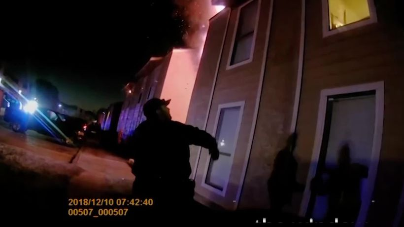 Police in Texas save boy who jumps from burning building