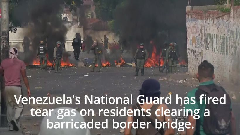 Troops fire tear gas at residents on Venezuela border