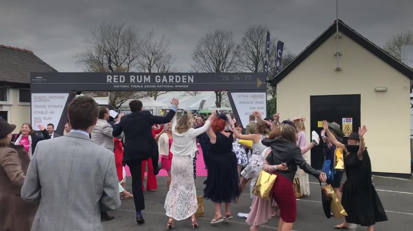 Aintree: Ladies Day ends with Sweet Caroline singalong