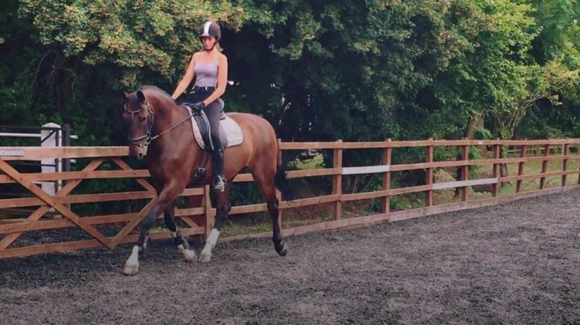 One of the youngest women in the UK to have terminal cancer raises money to buy horse
