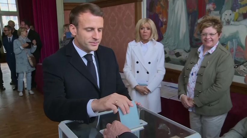 Emmanuel Macron votes in the European elections