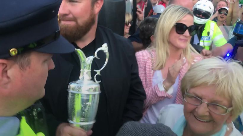 Shane Lowry arrives in Clara with Claret Jug for homecoming