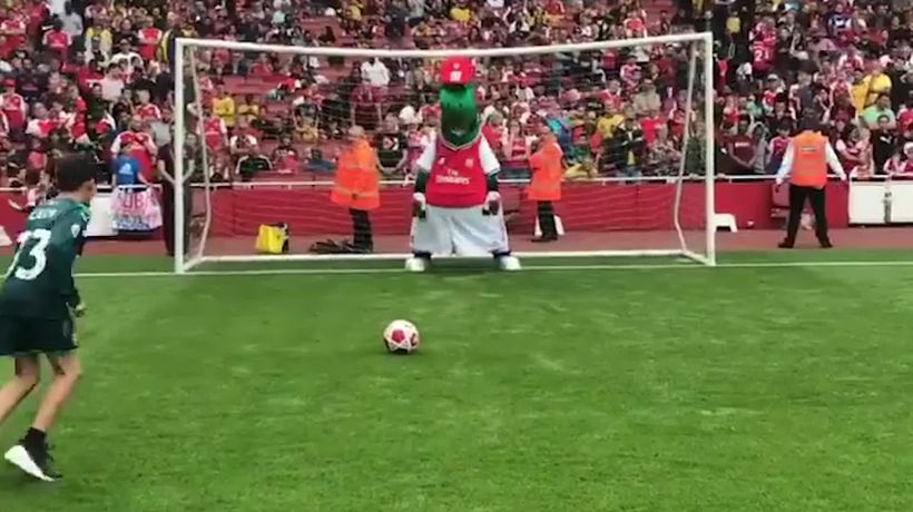 Arsenal mascot hit in the face during penalty shoot-out