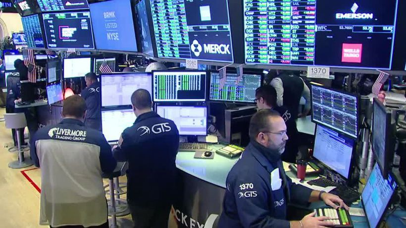 Dow cracks above 28,000 for first time